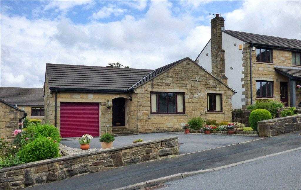 3 Bedrooms Detached Bungalow for sale in Random Close, Keighley, West Yorkshire