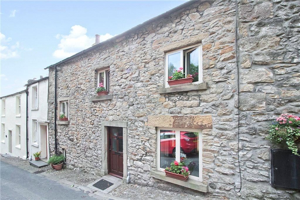 3 Bedrooms Unique Property for sale in Castle Hill, Settle, North Yorkshire
