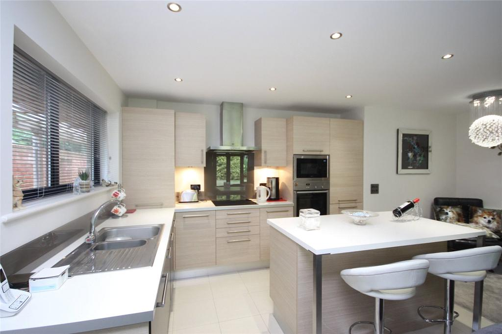 2 Bedrooms Flat for sale in Glenferness Avenue, Bournemouth, Dorset, BH4