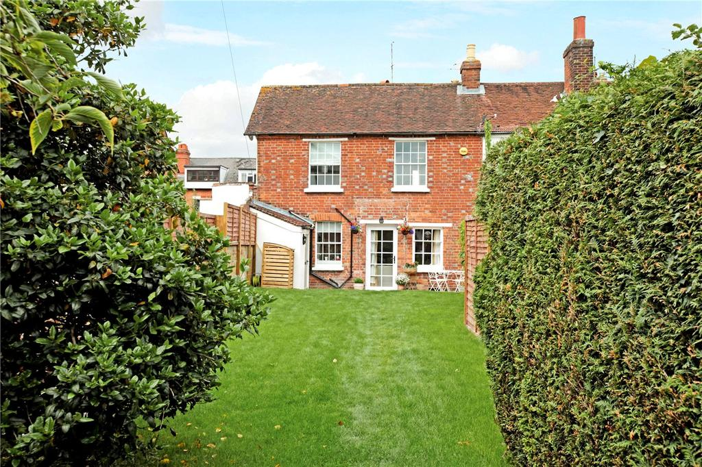 3 Bedrooms Semi Detached House for sale in Craven Road, Newbury, Berkshire, RG14
