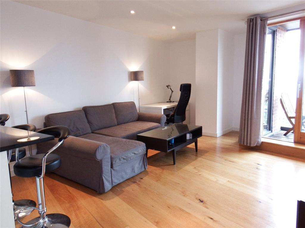 2 Bedrooms Flat for rent in Candle House, Wharf Approach, Leeds, West Yorkshire, LS1
