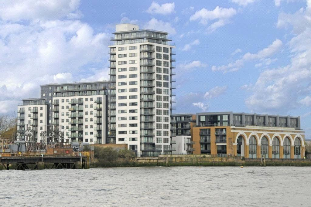 2 Bedrooms Flat for sale in Knights Tower, 14 Wharf Street, Deptford, London, SE8
