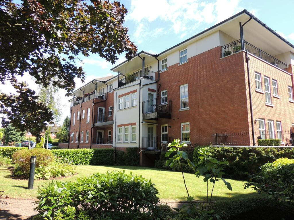 2 Bedrooms Apartment Flat for sale in Warwick Road, Knowle