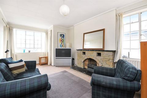3 bedroom apartment to rent - Frithville Gardens, Shepherds Bush, London, W12