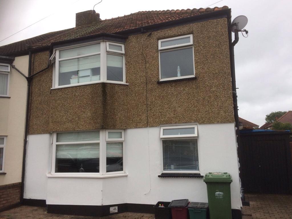 3 Bedrooms Semi Detached House for sale in Granville Road, Welling, Kent, DA16
