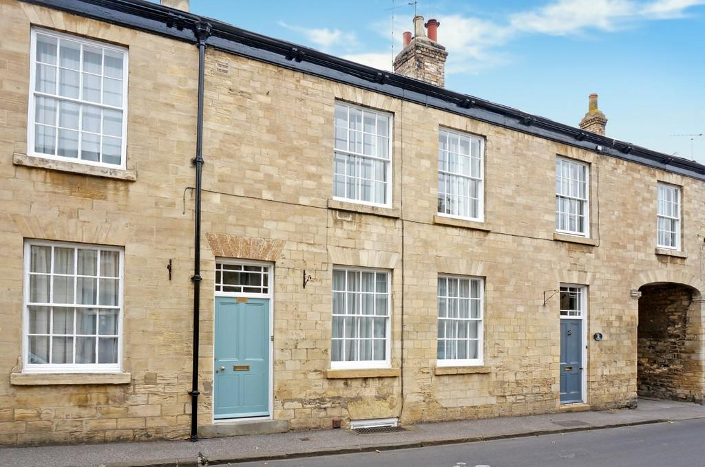 3 Bedrooms Terraced House for sale in Albion Street, Clifford, LS23