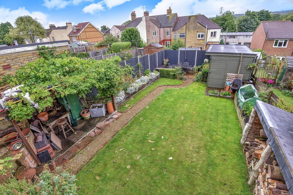 3 Bedrooms Detached House for sale in Kent Road, Halling