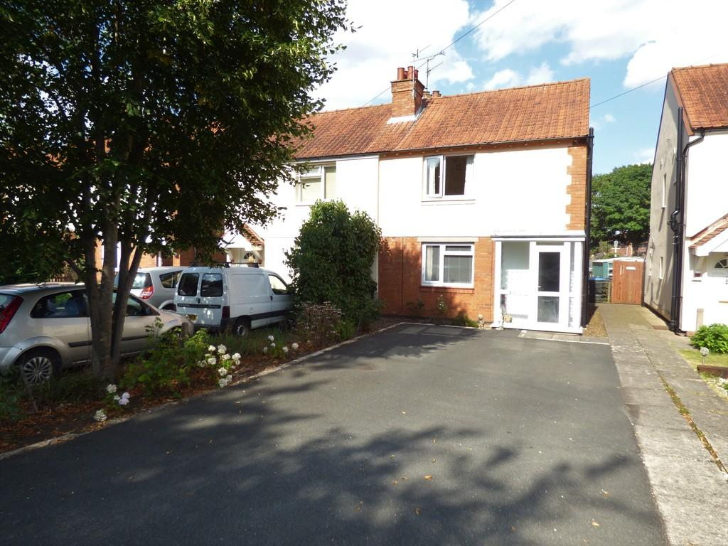 3 Bedrooms Semi Detached House for sale in Knights Lane, Tiddington, Stratford-Upon-Avon