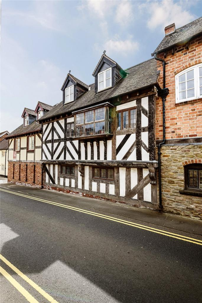 3 Bedrooms Terraced House for sale in Berrington Court, Bell Lane, Ludlow, Shropshire