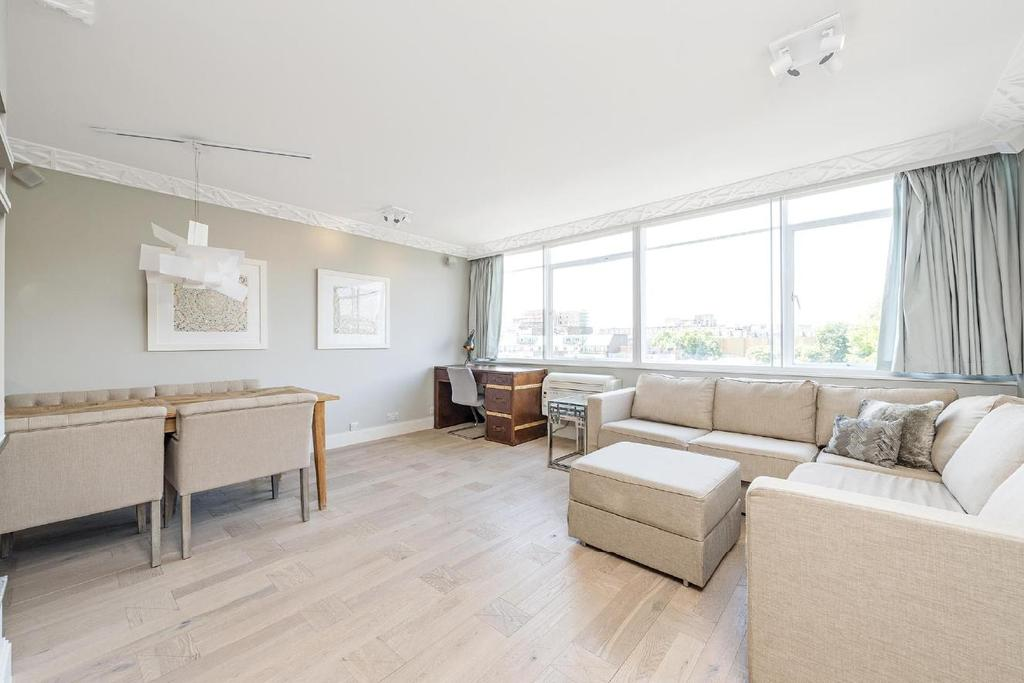 2 Bedrooms Flat for sale in Craven Hill Gardens, Bayswater