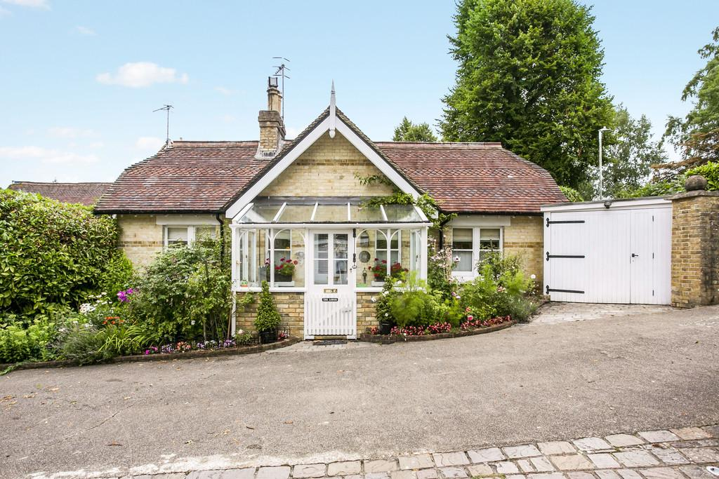 2 Bedrooms Cottage House for sale in Broadwater Down, Tunbridge Wells