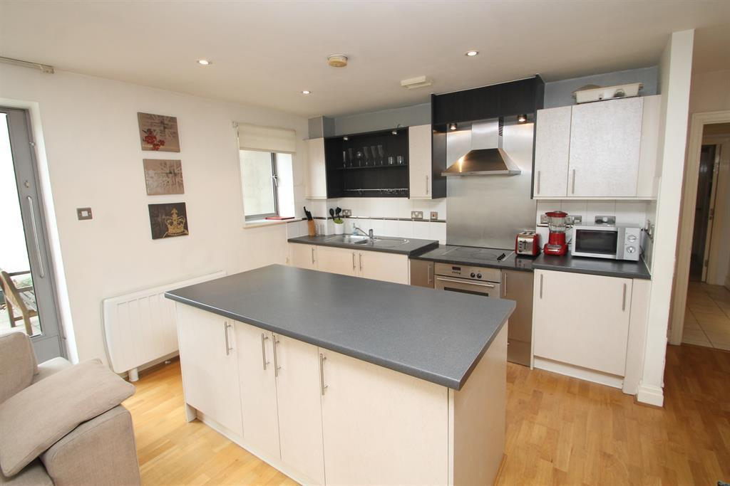 2 Bedrooms Flat for sale in Hertsmere Road, West India Quay, London, E14 4AW