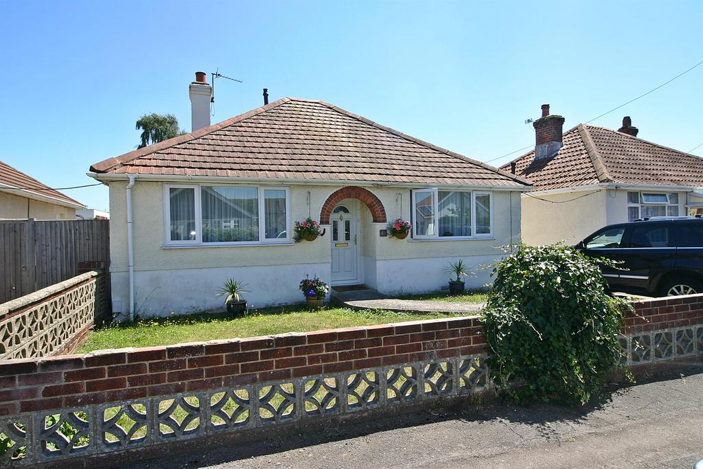 2 Bedrooms Bungalow for sale in The Grove, Sholing, Southampton, SO19 9LX