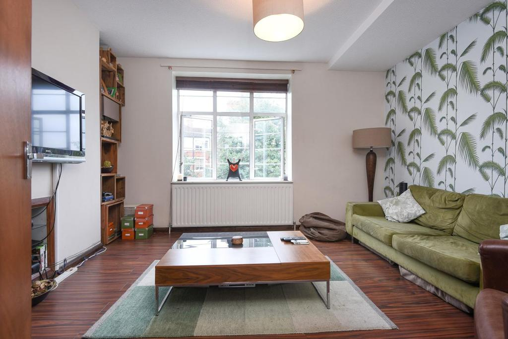 2 Bedrooms Flat for sale in Odessa Street, Surrey Quays