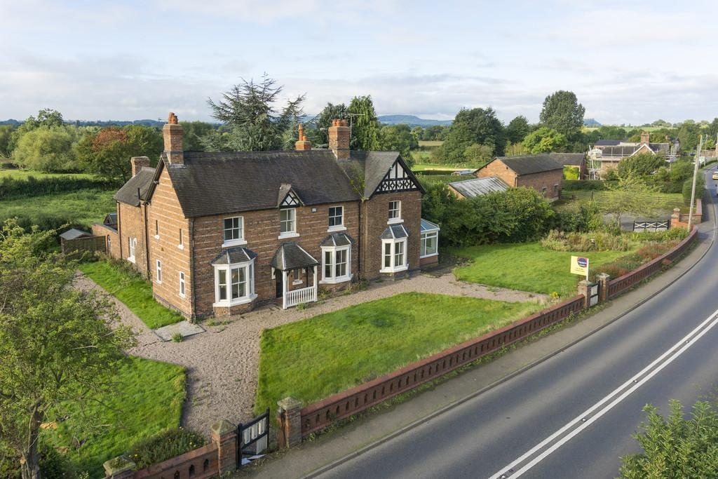 7 Bedrooms Detached House for sale in Alpraham, Cheshire