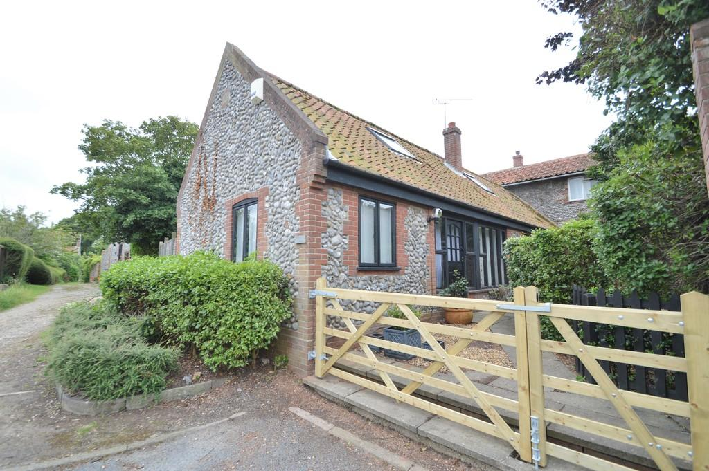 3 Bedrooms Barn Conversion Character Property for sale in Weybourne