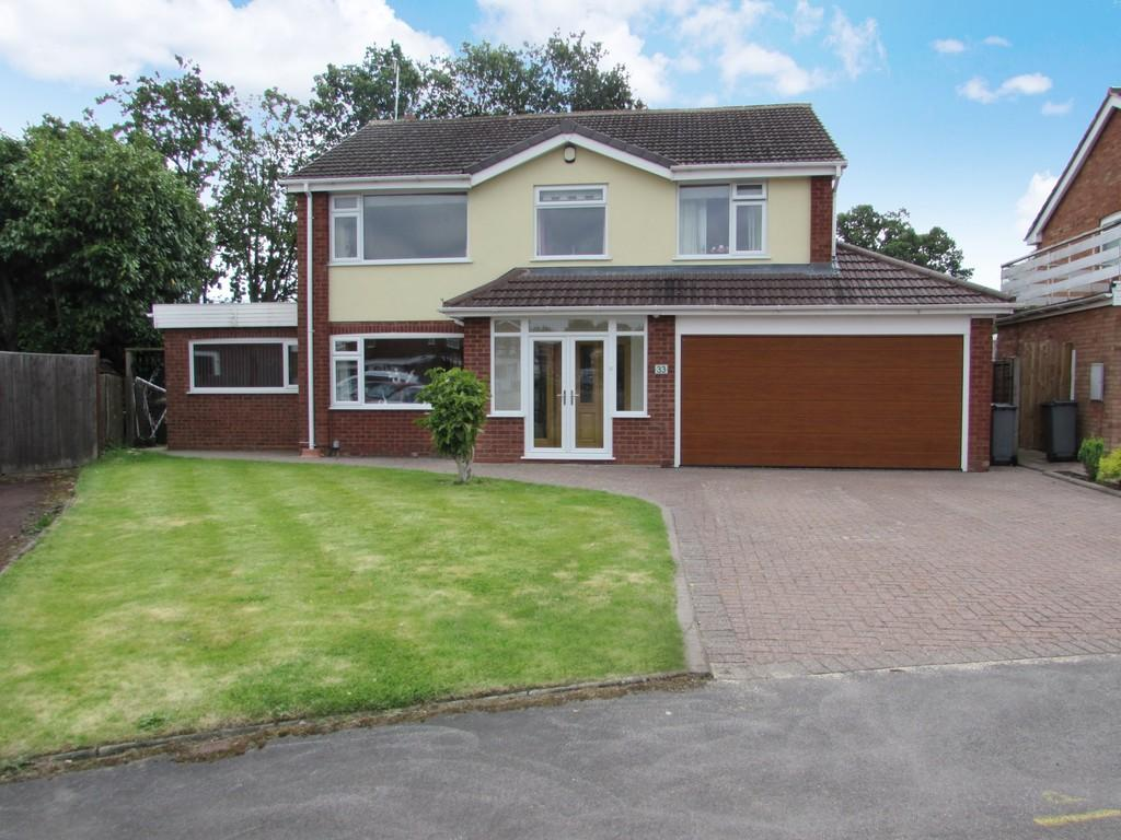 4 Bedrooms Detached House for sale in Fowgay Drive, Solihull