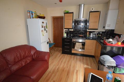 3 bedroom flat to rent - Claude Road, , Roath
