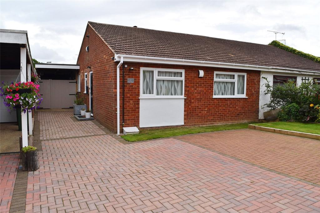 2 Bedrooms Semi Detached Bungalow for sale in The Mead, Soulbury