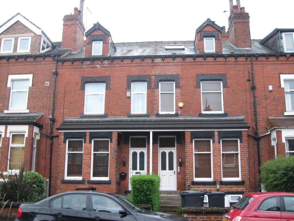 4 Bedrooms Terraced House for sale in Norman Terrace, Leeds LS8