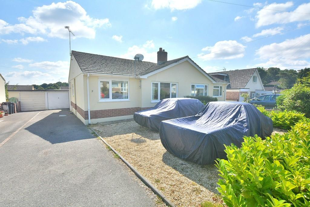 2 Bedrooms Semi Detached Bungalow for sale in Swallow Way, Wimborne