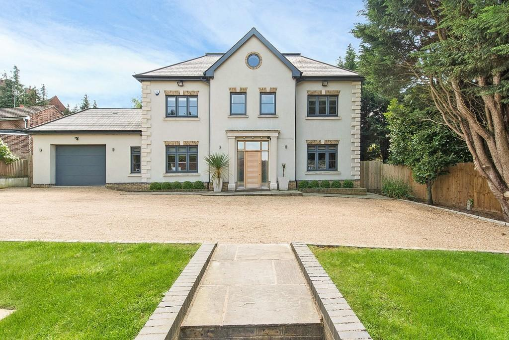 5 Bedrooms Detached House for sale in Mavelstone Road