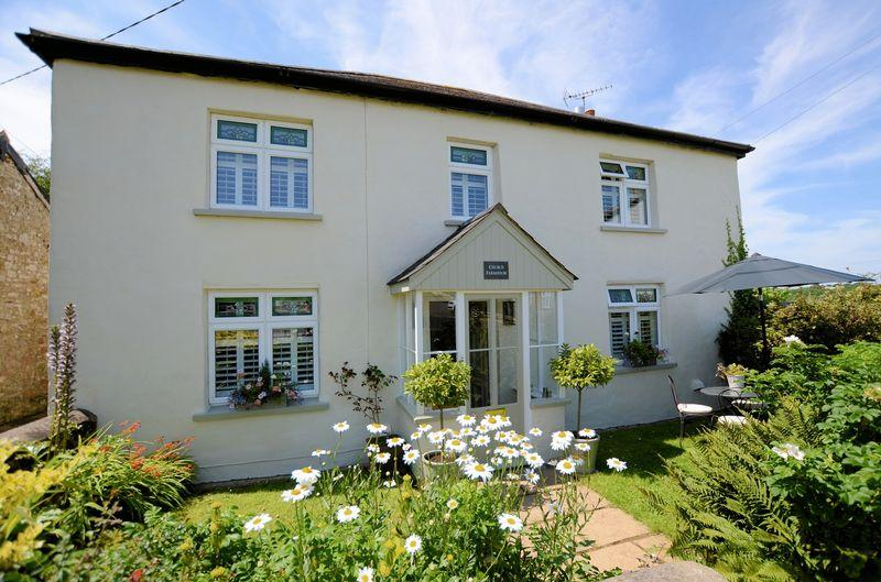 4 Bedrooms Detached House for sale in Shebbear, Beaworthy