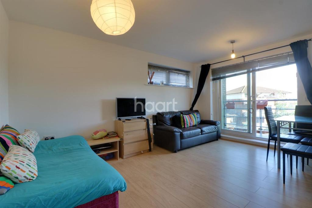 2 Bedrooms Flat for sale in Chalkhill Road, Wembley Park