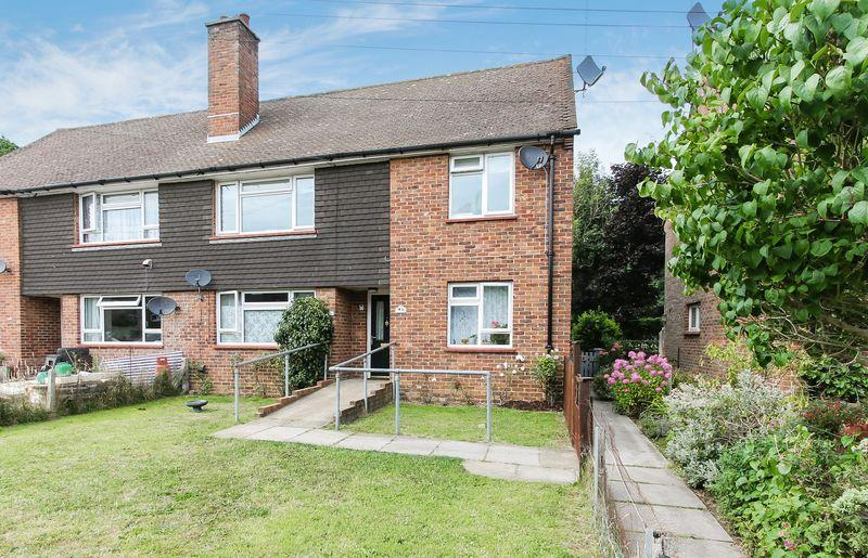 2 Bedrooms Apartment Flat for sale in Compton