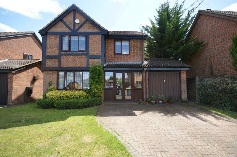 4 Bedrooms Detached House for sale in Carnegie Gardens, Luton