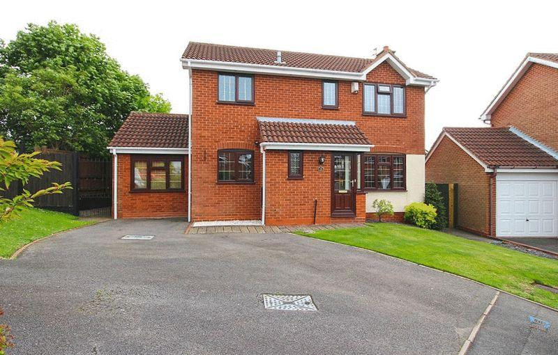 3 Bedrooms Detached House for sale in Roper Way, Woodsetton