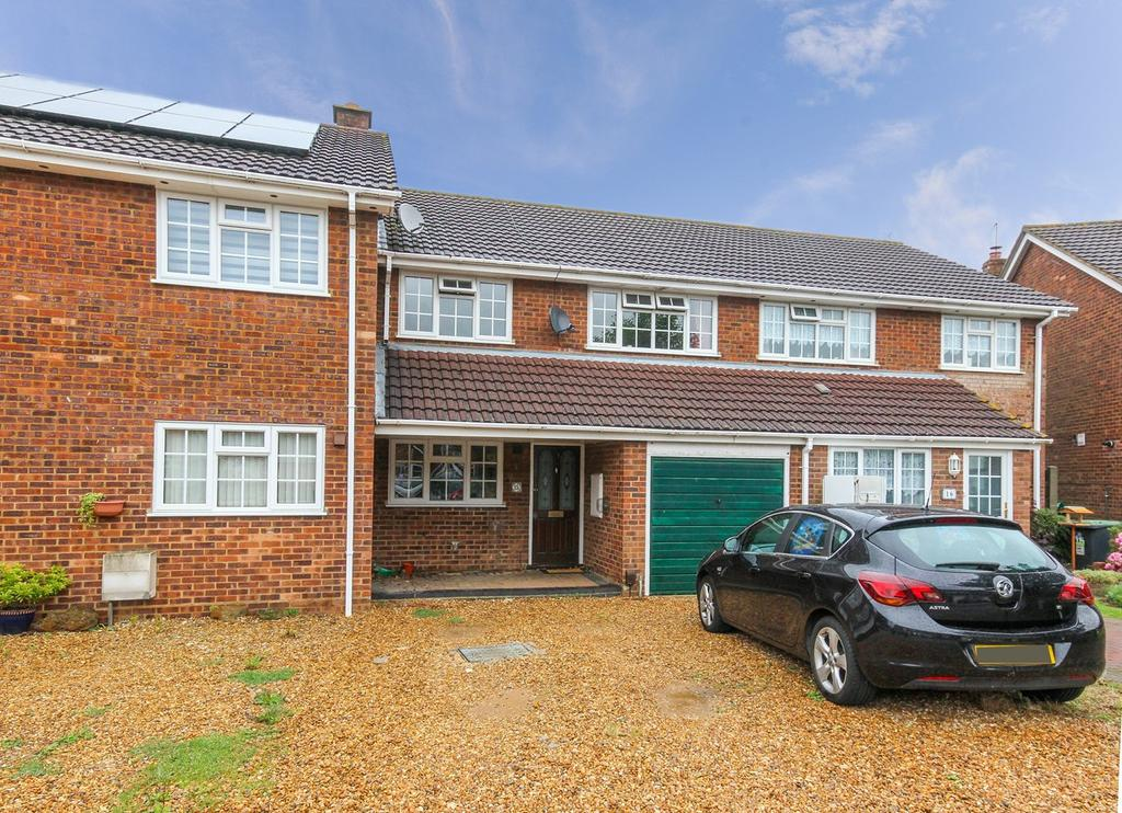 3 Bedrooms Terraced House for sale in Newlands Road, Westoning, MK45