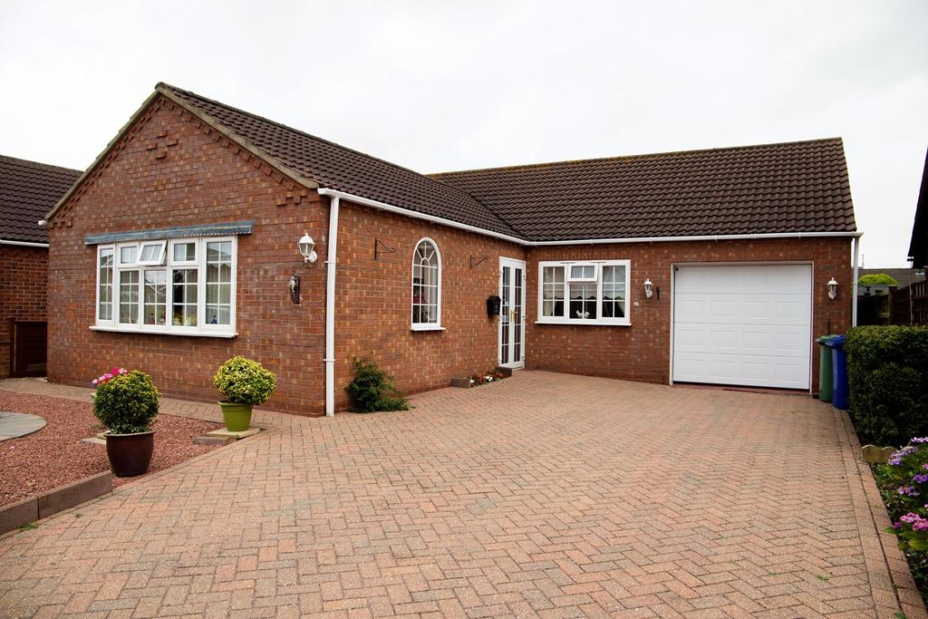 3 Bedrooms Detached Bungalow for sale in Kenleigh Drive, Boston, PE21