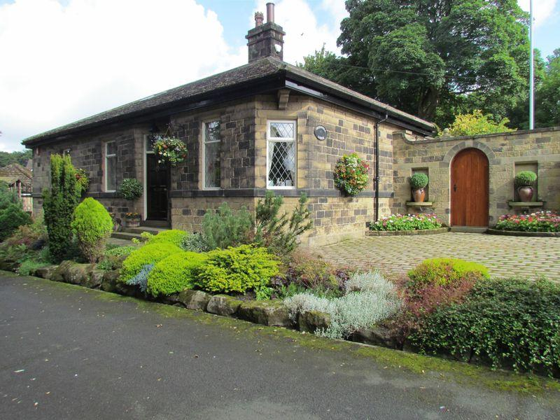 4 Bedrooms Detached House for sale in Lady Lane, Bingley