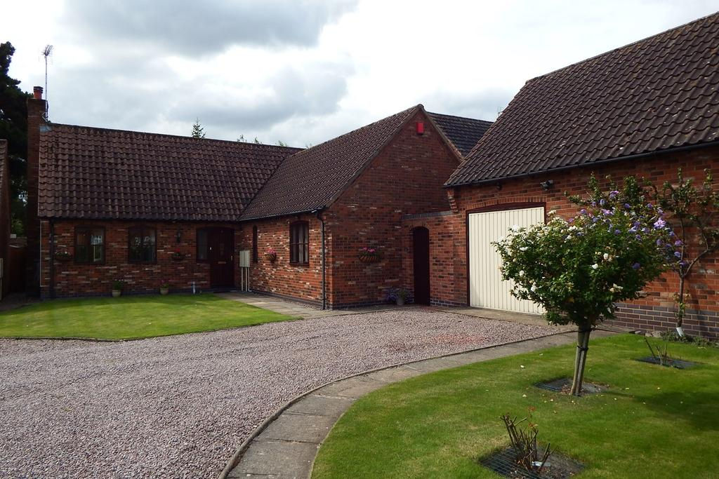 3 Bedrooms Detached Bungalow for sale in Whiteacre Gardens, Gedney, PE12