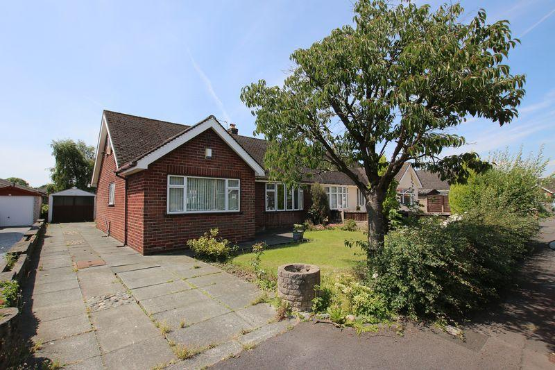 2 Bedrooms Semi Detached Bungalow for sale in Hall Croft, Hutton