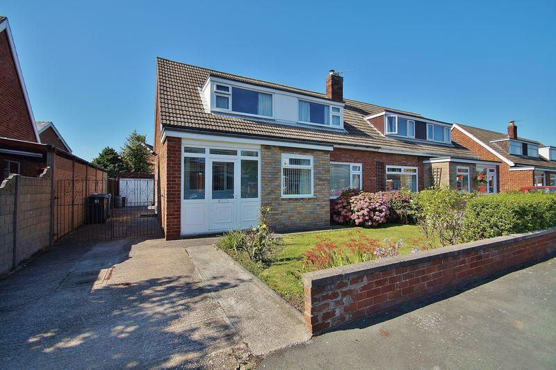 3 Bedrooms Semi Detached House for sale in Lancaster Drive, Southport