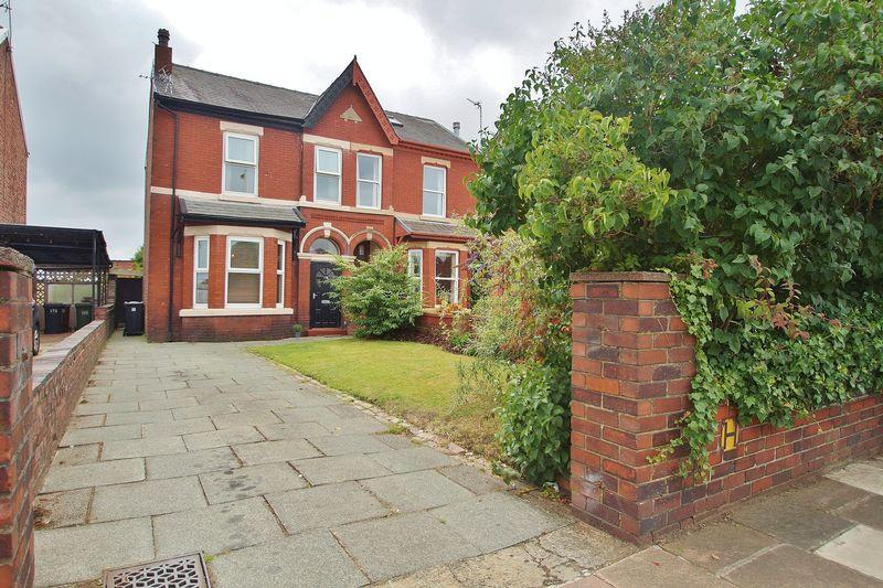 4 Bedrooms Semi Detached House for sale in Sussex Road