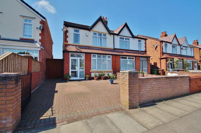 3 Bedrooms Semi Detached House for sale in Longford Road, Southport