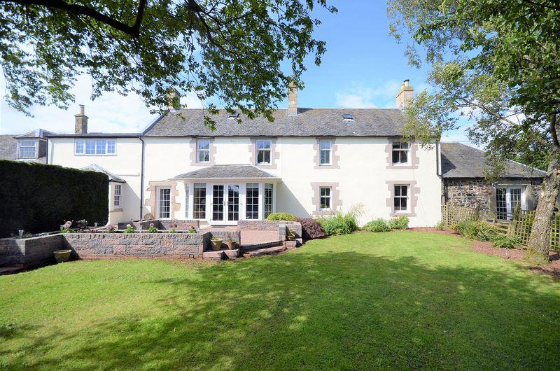 4 Bedrooms Country House Character Property for sale in Fairliecrevoch Farmhouse, Cunninghamhead KA3 2PD