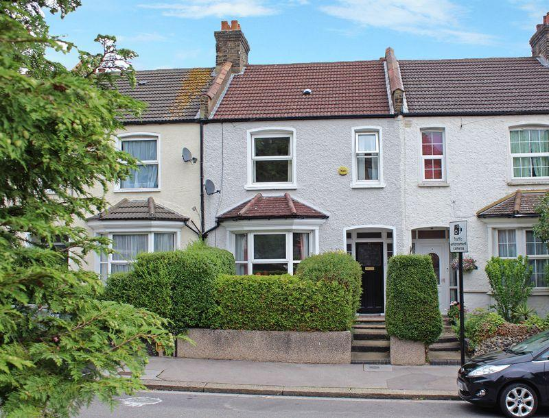 3 Bedrooms Terraced House for sale in Biddulph Road, South Croydon, Surrey