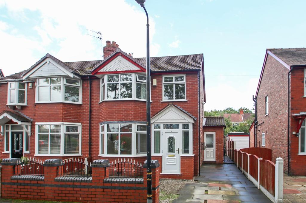 3 Bedrooms Semi Detached House for sale in Northside Avenue, Flixton, Manchester, M41