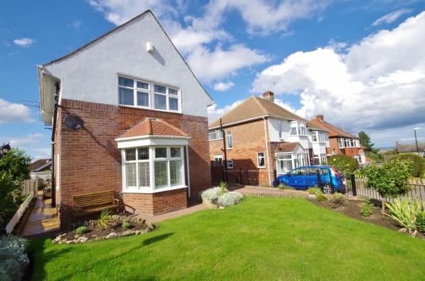 4 Bedrooms Detached House for sale in Seaburn Hill, Seaburn, SR6