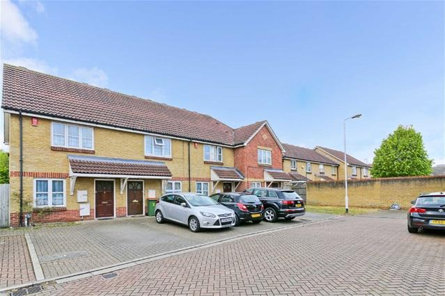 2 Bedrooms Terraced House for sale in Ringlet Close, Custom House