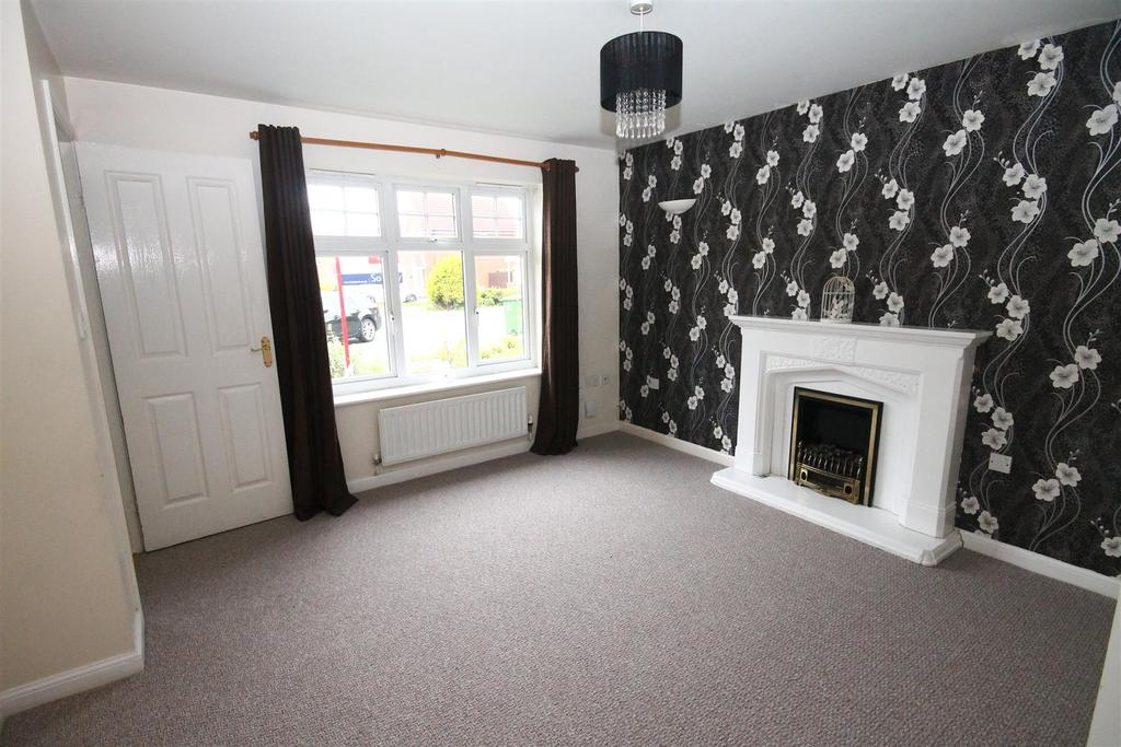 3 Bedrooms Semi Detached House for sale in Linshiels Grove, Ingleby Barwick, Stockton-On-Tees