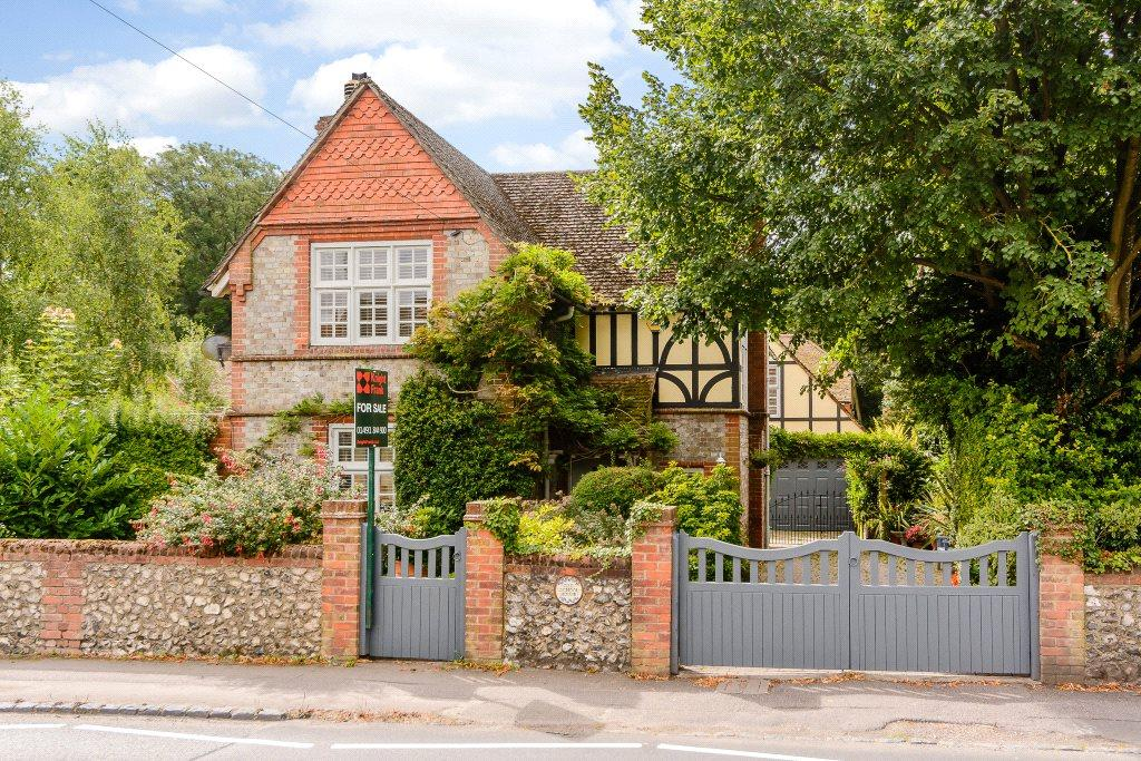 3 Bedrooms Detached House for sale in High Street, Nettlebed, Henley-on-Thames, RG9