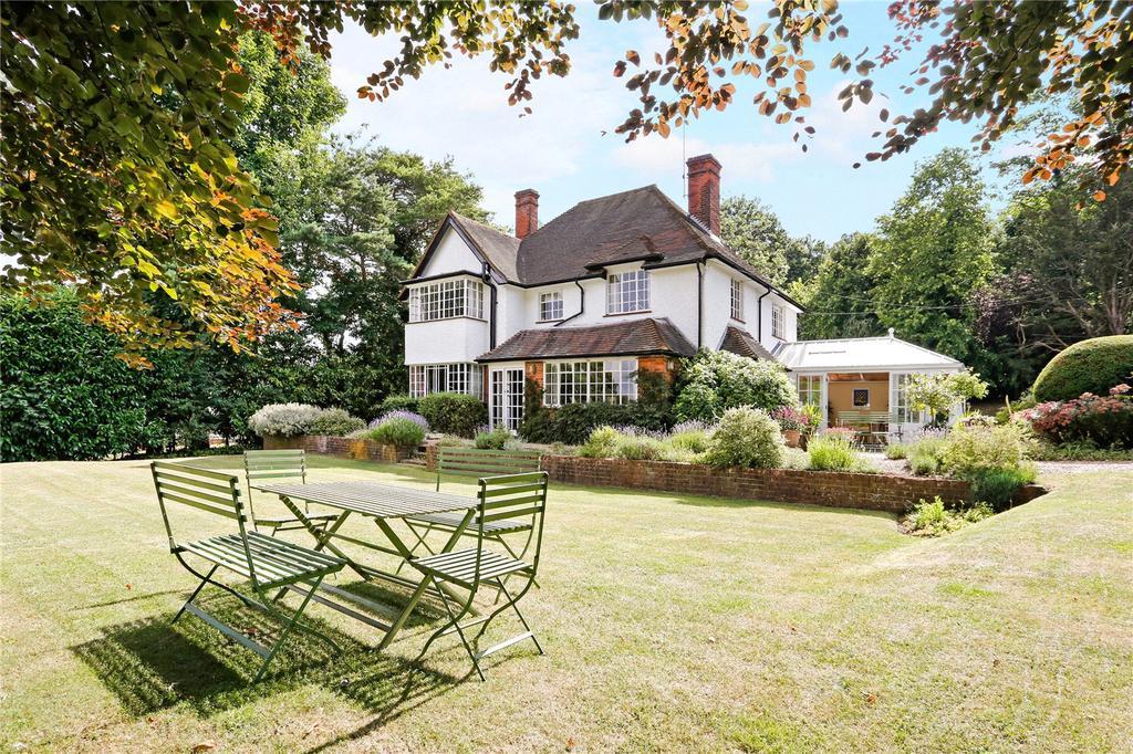 5 Bedrooms Detached House for sale in Hawks Hill, Bourne End, Buckinghamshire, SL8