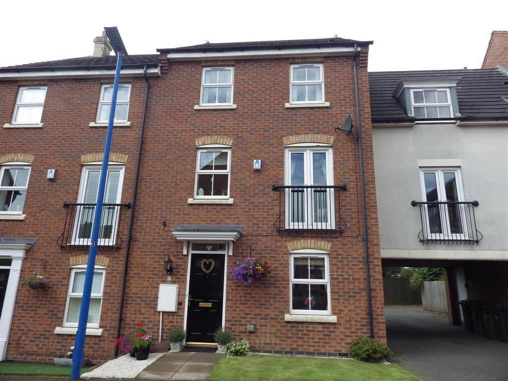 3 Bedrooms Town House for sale in Eden Gardens, Rowley Regis