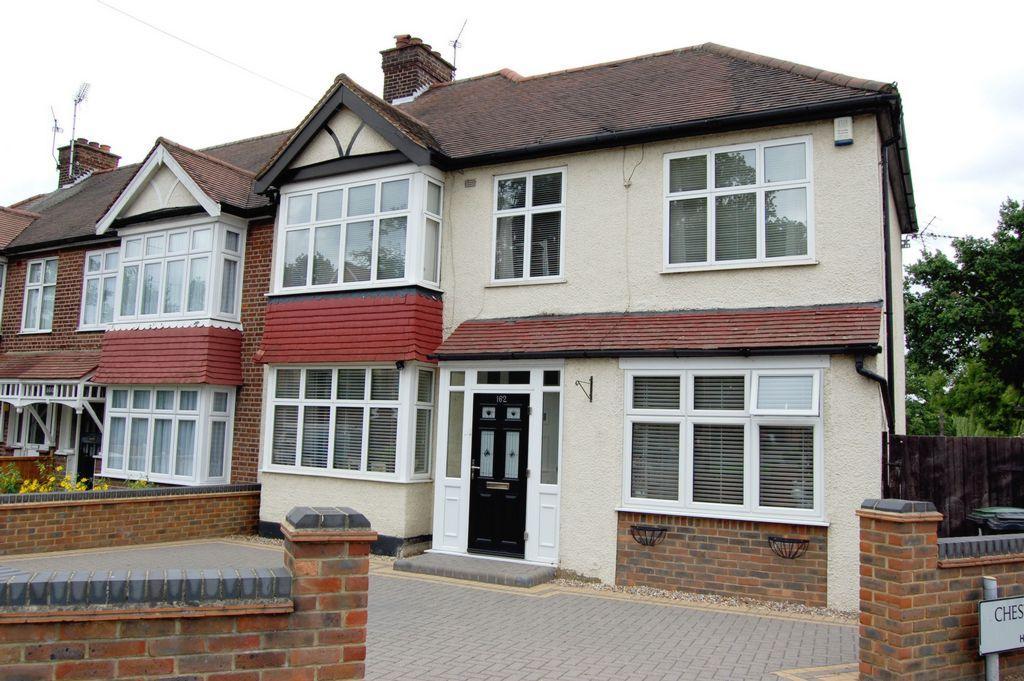 4 Bedrooms End Of Terrace House for sale in Buckhurst Way, Buckhurst Hill, IG9