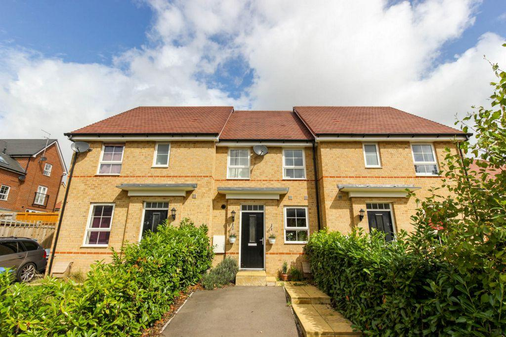 2 Bedrooms Terraced House for sale in Sandpiper Close, Hatfield, AL10